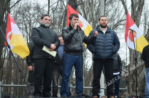 Валерий Кауров (слева) на митинге одесского «Антимайдана» 1 марта 2014 г (источник)